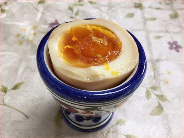 らっこが作った酢卵(煮卵・味付け卵)です。