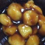 らっこが豆腐と薄力粉と片栗粉で作ったみたらし団子です。