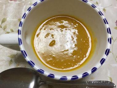シチューの素で味付けしたかぼちゃのスープです。