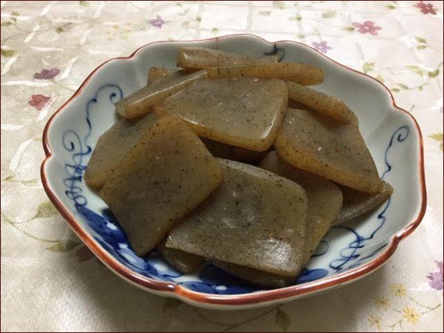らっこが作ったこんにゃくのにんにく醤油炒めです。