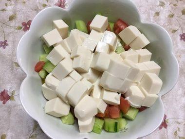 豆腐サラダです。