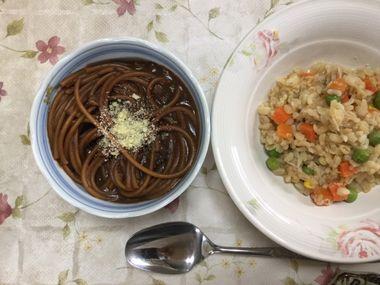 インスタントスパゲッティとブルグルのサラダです。