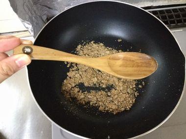フライパンと黒糖ときのカレースプーンです。
