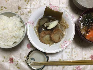 仙台麩の煮物の夕飯です。