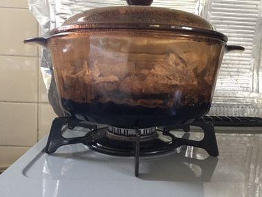 煮詰まった黒豆です。