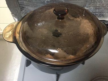 黒豆を煮始めたところです。