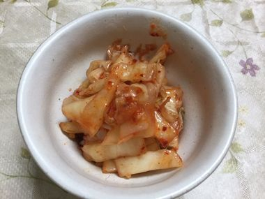 納豆と同量程度の粗く刻んだキムチです。