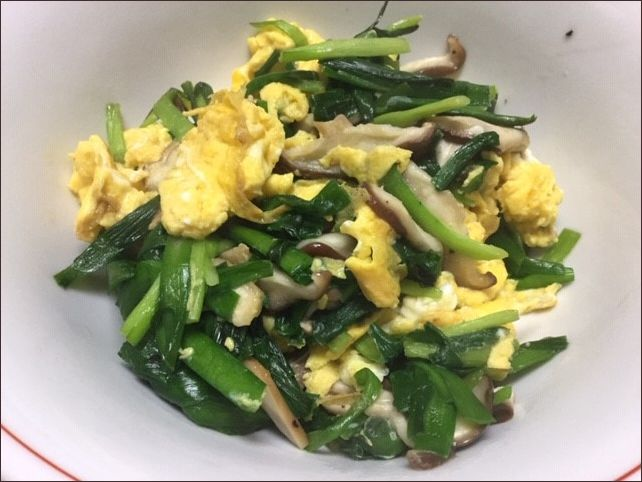 らっこが作った、ニラ卵椎茸です。