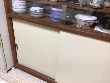 食器棚です。