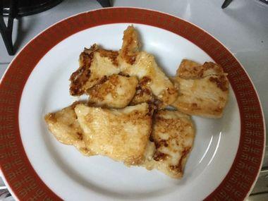 焼きあがった鶏むね肉の味噌あじです。