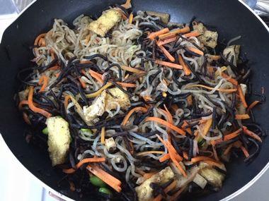 枝豆入りのひじきの煮物です。