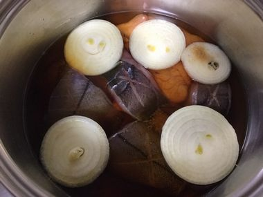 煮汁を加えた赤カレイのお鍋です。