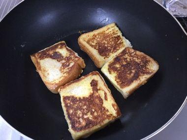 焼いたフレンチトーストです。