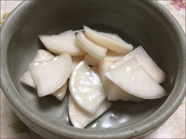 らっこが漬けたカブの梅酢漬けです。