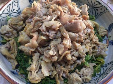 キャベツの外葉の豚カレーです。