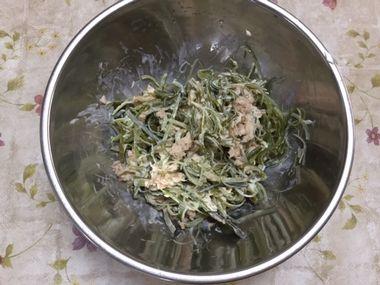混ぜ合わさったくきわかめのツナマヨサラダです。