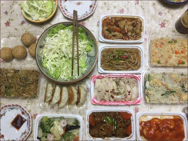 いただいた中華のお惣菜たくさんです。