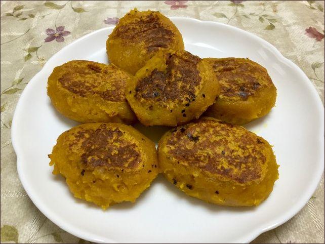 らっこが作ったかぼちゃ餅です。