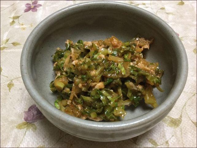 らっこが作ったk食べつの外葉のツナケチャップです。
