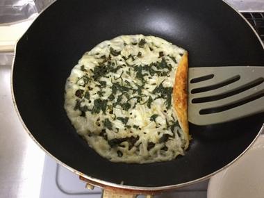 チーズの底の焼き色です。