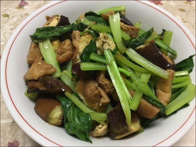 らっこが作ったナスと小松菜の煮びたしです。