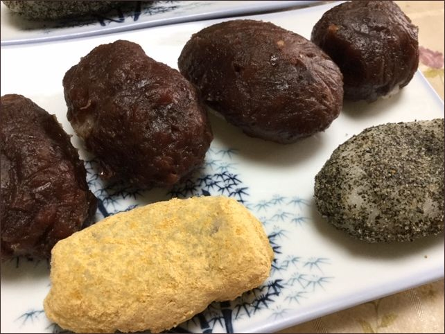 らっこが古ご飯と片栗粉で作ったおはぎです。