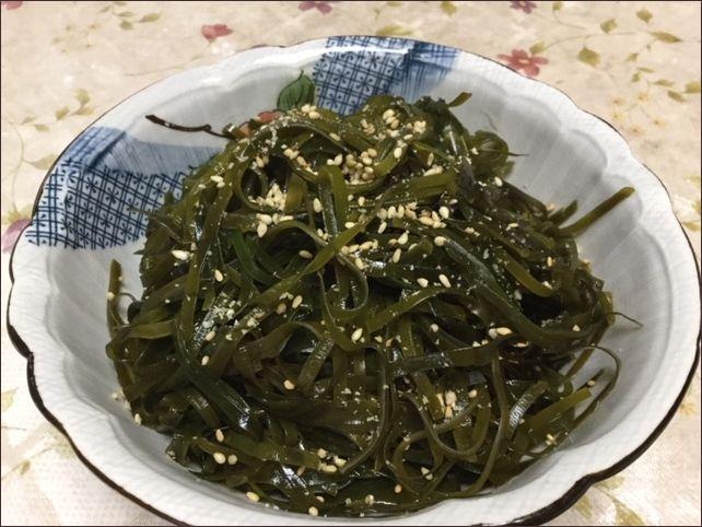 らっこが作ったすき昆布の酢炒めです。