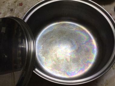 すき焼きに使った大鍋です。
